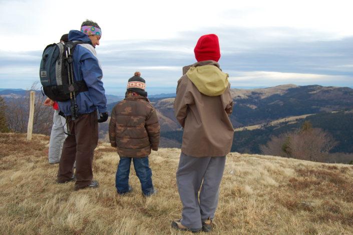 Pause au sommet du Schnepfenried, pour admirer le paysage du massif des Vosges.