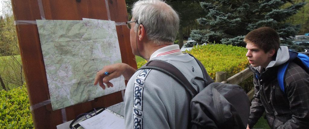 Lecture de carte, topographie et orientation, cela s'apprend chez les Amis de la Nature